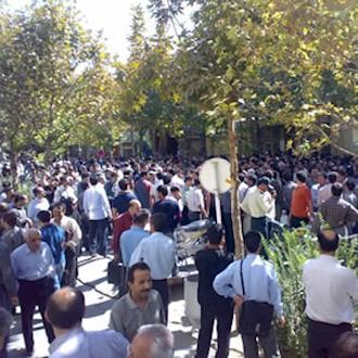 بازاریان خشمگین اصفهان و تهران خواستار لغو کامل قانون چپاولگرانه افزایش مالیاتها شدند