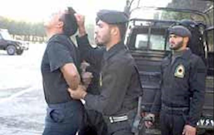 سرکوب جوانان توسط نیروی انتظامی