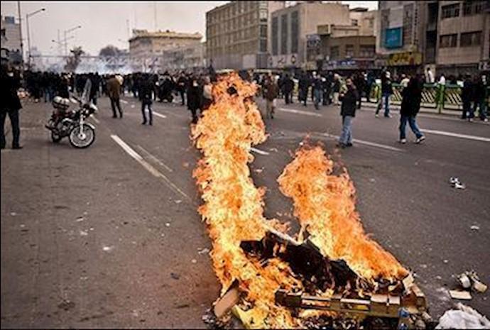 قیام  عاشورا, آتشی بر بنیان رژیم یزیدی خامنه ای