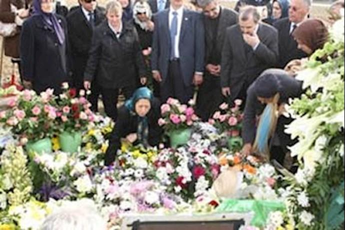مراسم تدفین زنده یاد هنگامه امینی در اورسوراواز