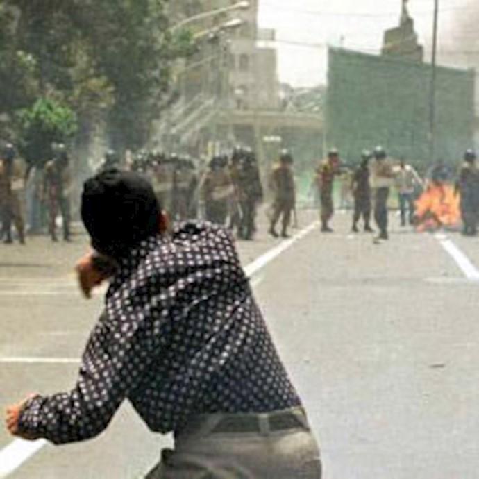 درگیری بین جوانان و نیروی انتظامی - آرشیو