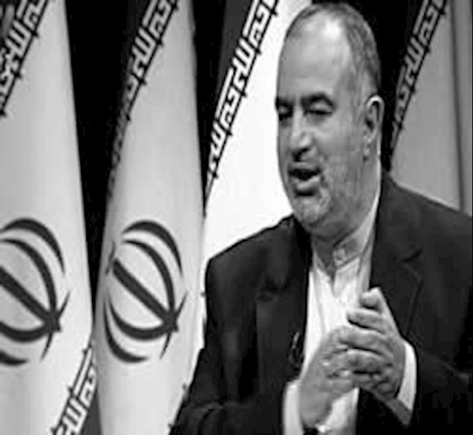 حسام الدین آشنا، مشاور آخوند روحانی