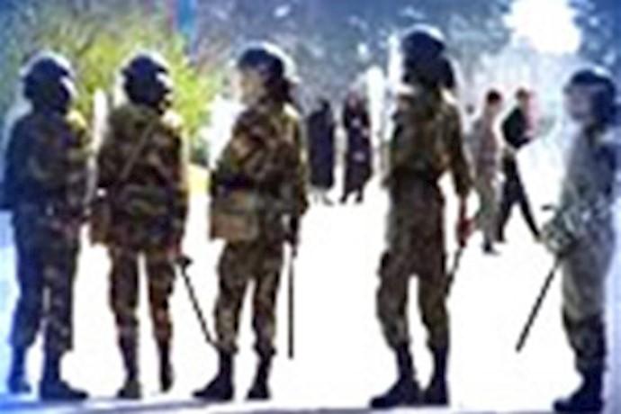 نیروهای سرکوبگر در سنندج - آرشیو