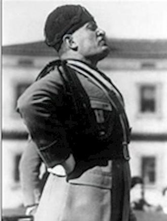 """اتحاد کشورهای """"محور"""" یعنی آلمان و ایتالیا قبل از جنگ جهانی دوم تشکیل شد."""