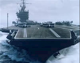 پرواز نخستین هواپیما از عرشه یک کشتی
