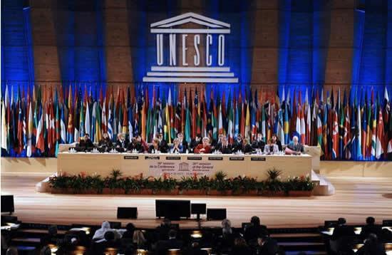 صحنه تصویب عضویت فلسطین در یونسکو