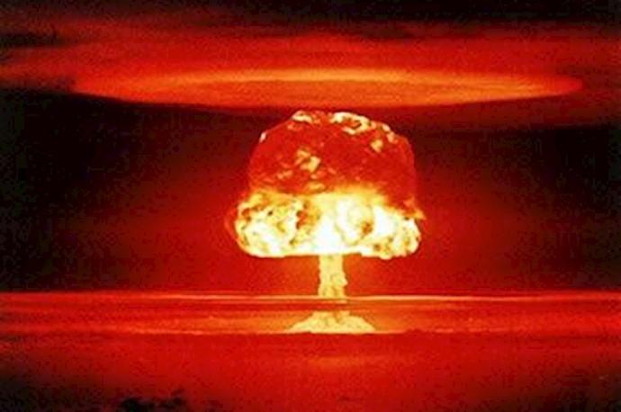 انفچار بمب اتمی