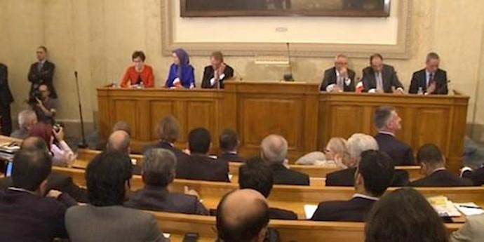 کنفرانس در مجلس ملی فرانسه