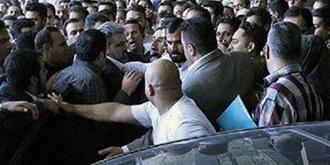 تجمع جمعی از مالباختگان در مشهد - آرشيو