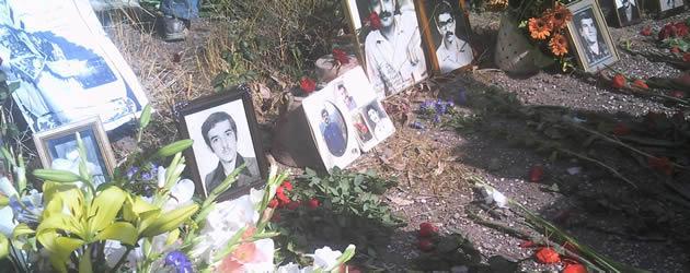 گرمیداشت خاطره شهیدان قتل عام بر مزارشان در خاوران
