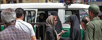 دستگیری زنان به جرم آخوند ساخته بدحجابی