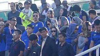 شرکت زنان تایلندی و کره ای  در استادیوم آزادی و دستگردی