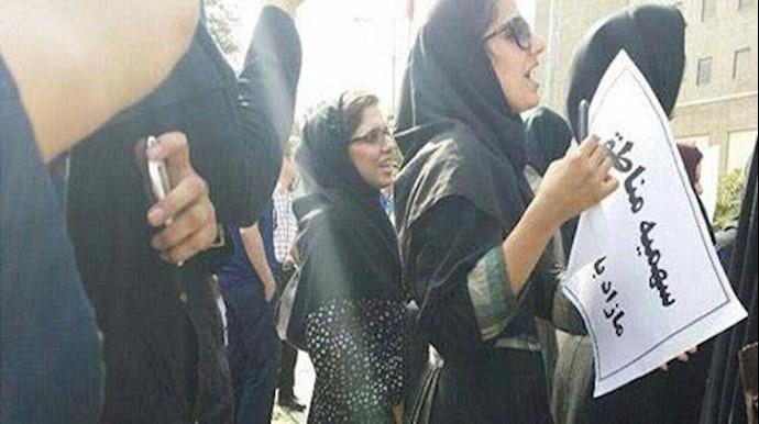 تجمع اعتراضی دانشجویان دانشگاه آزاد علوم پزشکی تهران-آرشیو