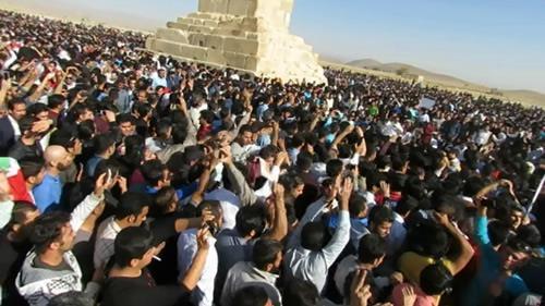تجمع اعتراضی هزاران تن از مردم سراسر کشور در پاسارگاد