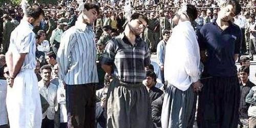 الإعدام في المرأى العام من قبل الملالي