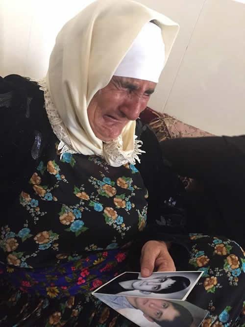 مادر زندانی سیاسی اعدام شده شهرام احمدی و بهرام احمدی