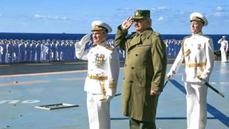 بازدید ژنرال حفتر از ناو هواپیمابر روسیه