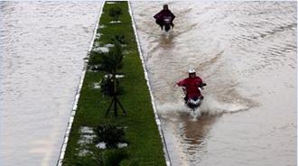 """توفان """"دامری"""" در ویتنام"""