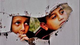 کودکان پشت پنجره