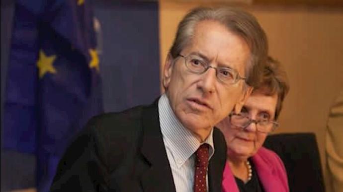 جولیو ترتزی وزیر خارجه پیشین ایتالیا