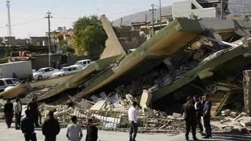 احد المباني التي انهارت من جراء الزلزال في دربندخان في اقليم كردستان