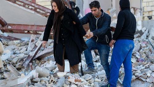 المواطنون المنكوبون بالزلزال  في مدينة كرمانشاه