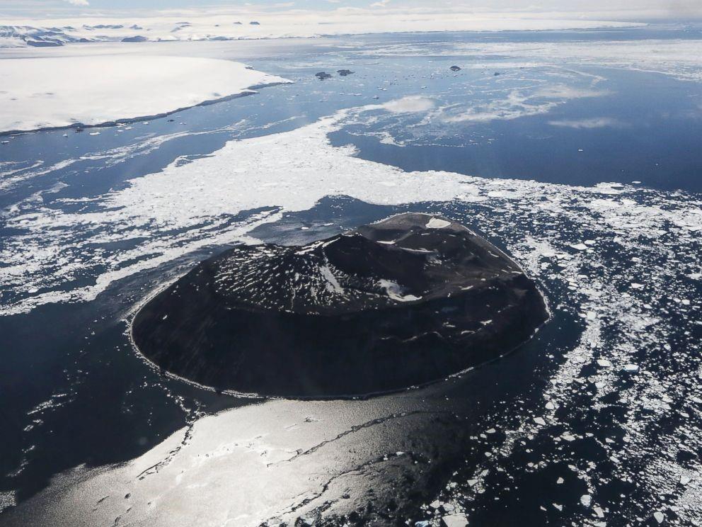 SLIDESHOW: Stunning aerial photos reveal evolving Antarctic landscape