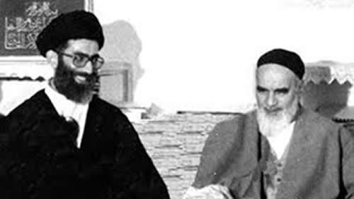 علی خامنهای در کنار خمینی جلاد