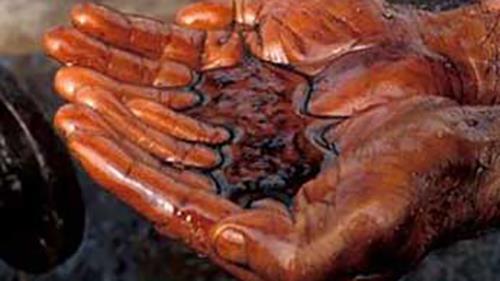 چوب حراج به ثروت ملي با خام فروشي نفت