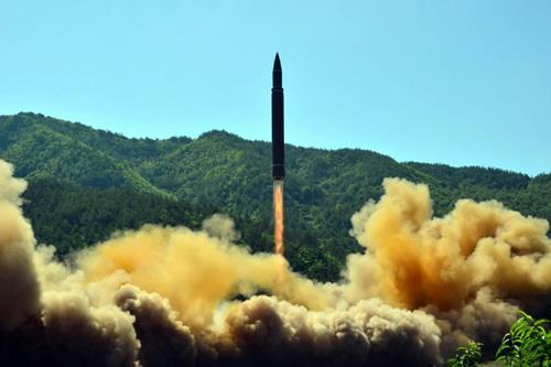 N. Korea is launching an ICBM misslie in defiance of int'l community
