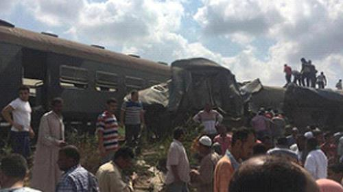 The crash near the Khorshid station between Alexandria and Cairo route derailed the engine of one train and two cars of the other