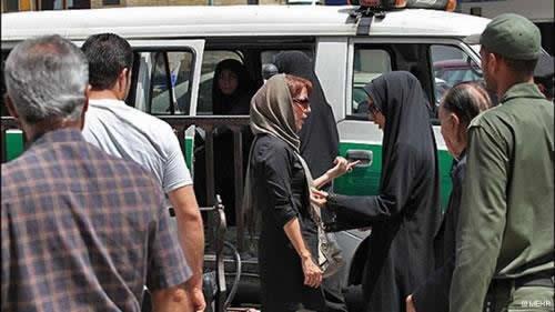 گشت جدیدی از زنان نیروی سرکوبگر انتظامی برای سرکوب بیشتر زنان میهنمان