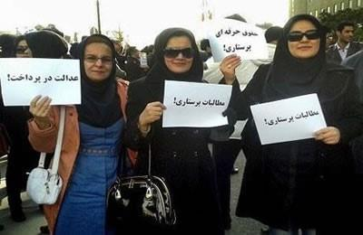 According to some reports, there are at least 11,000 unemployed nurses in Iran. The President of the Nursing Organization has admitted that some 40,000