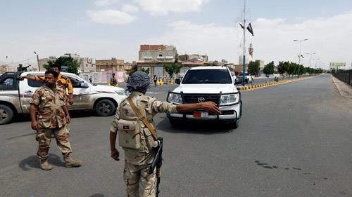 The Yemeni government announced the formation of a security and military committee in the eastern province of Hadhramaut to confront the dangers of al-Qaeda.