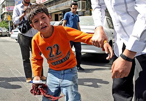 بازداشت کودکان کار و انتقال آنها به اردوگاه