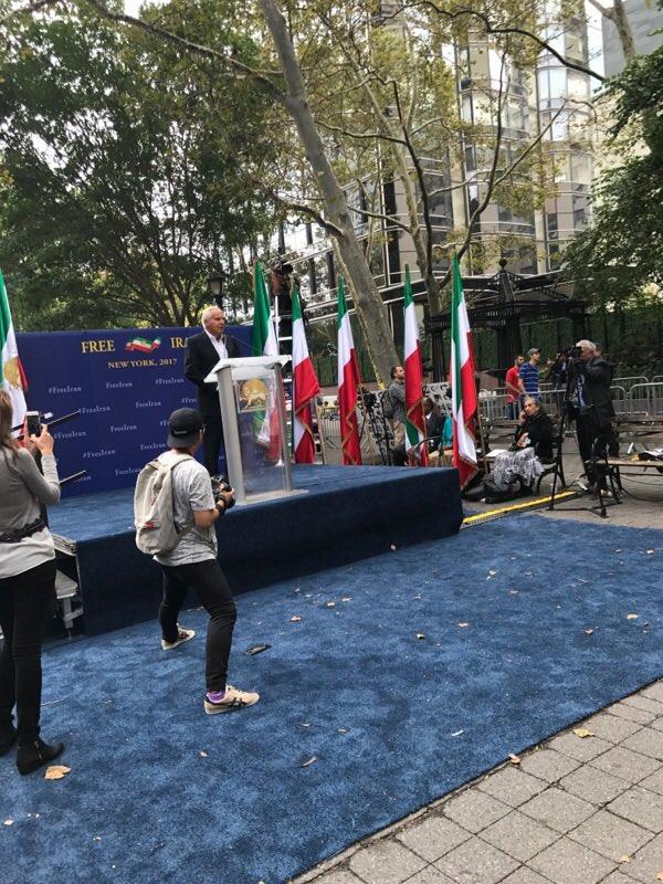 تظاهرات ایرانیان آزاده و اشرفنشانها علیه حضور آخوند روحانی در نیویورک؛ سخنرانی سناتور رابرت توریسلی