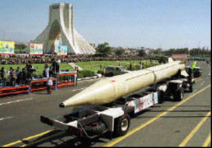 Shahab 3 on parade in Teheran
