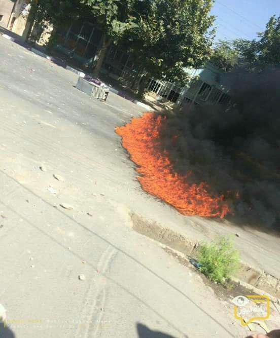 مردم خشمگین بانه ساختمان فرمانداری را به آتش کشیدند