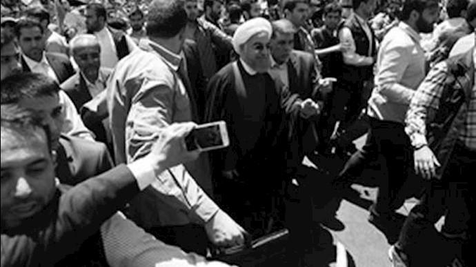 فراری دادن روحانی توسط  ایادی خامنهای با شعار مرگ بر منافق و مرگ بر دروغگو
