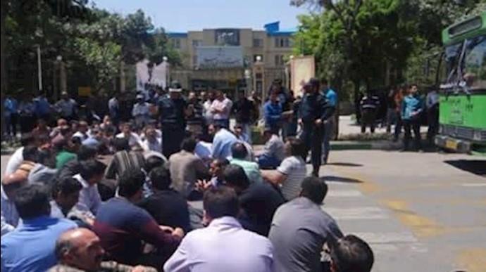 تجمع اعتراضی کارگران رینگ سازی مشهد