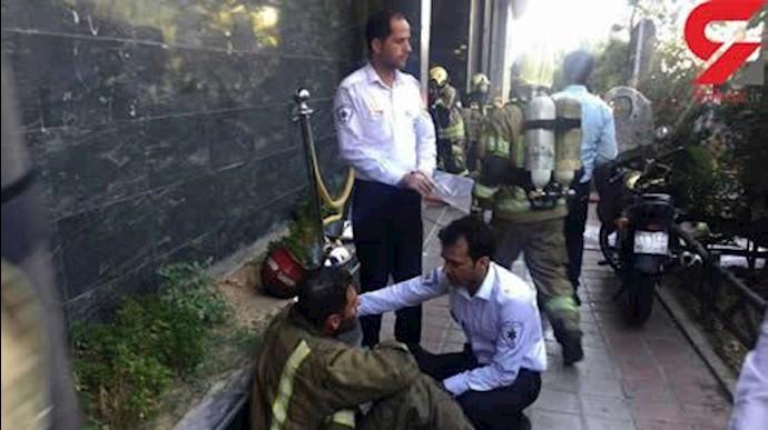 اطفا آتش برج آناهیتا 15مجروح بدنبال داشت