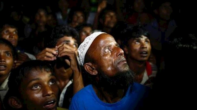 هجوم آوارگان روهینگیا برای دریافت غذا از سازمانهای انسانی