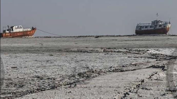 نمایی از خشک شدن دریاچه ارومیه