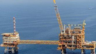 کاهش تولید نفت ایران