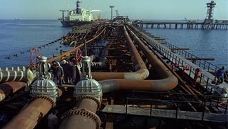آغاز جنگ نفت