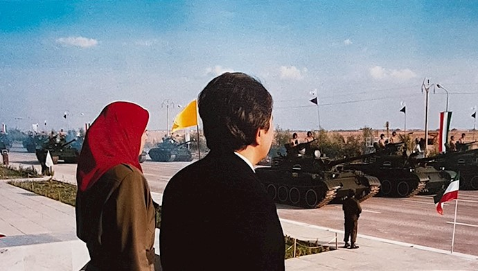 مسعود رجوی و مریم رجوی - رژه بزرگ یگانهای نمونه ارتش آزادیبخش