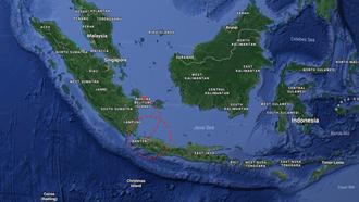 سقوط یک هواپیمای مسافربری در اندونزی