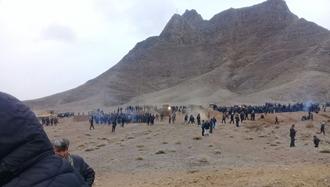 درگیری کشاورزان  با  نیروهای انتظامی در  روستای قارنه در شهر زیار اصفهان