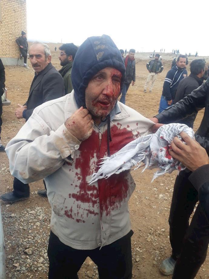 حمله نیروی انتظامی یگان ویژه رژیم به کشاورزان اصفهان