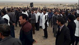 تجمع کشاورزان کفن پوش شرق اصفهان در زیار